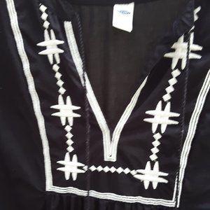 SALE EUC Old Navy Embroidered Black Boho Dress S